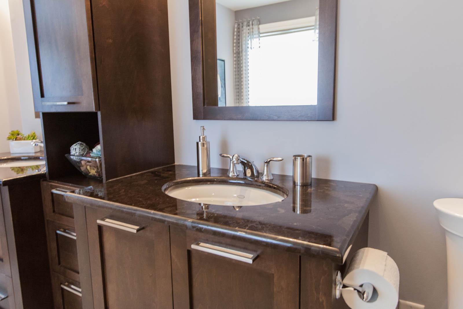 cuisines salles de bain en granit et quartz par granit concept. Black Bedroom Furniture Sets. Home Design Ideas